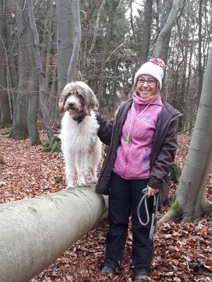 Silvia J. mit Schulhund Pünktchen