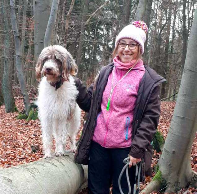 Silvia mit Schulhund Pünktchen